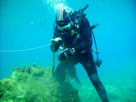Diver found old chain - Zante Blue Reef